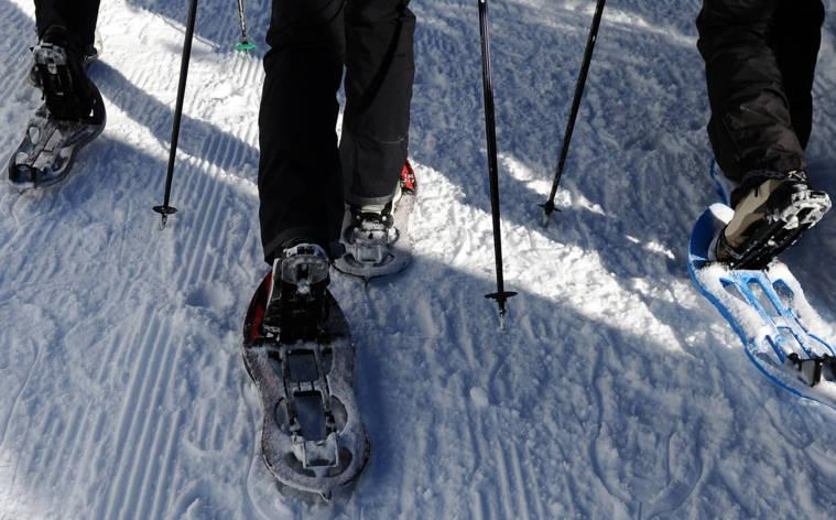 Bei Vollmond über knirschenden Schnee