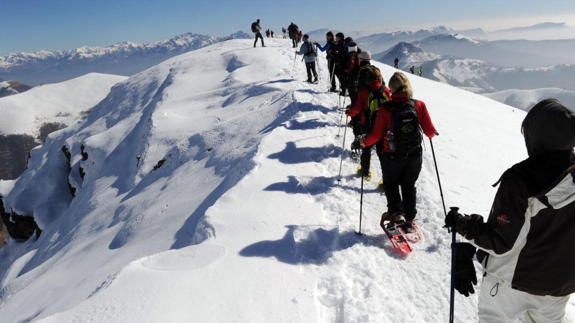 escursione-con-racchette-da-neve-25123-TW-Slideshow.jpg
