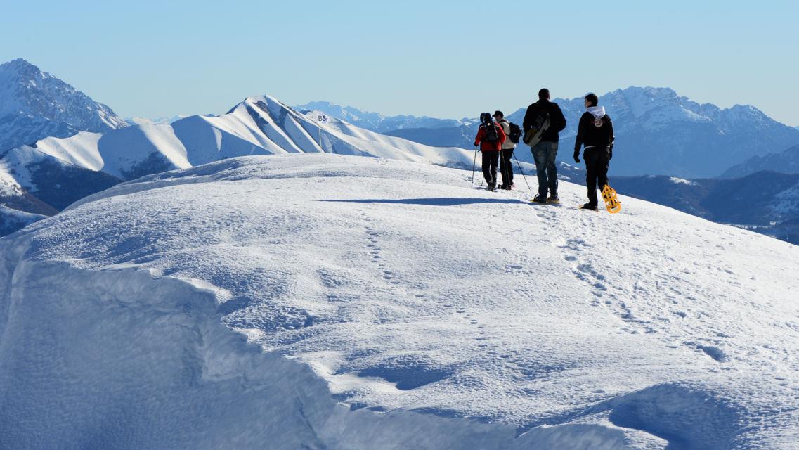 escursione-con-racchette-da-neve-9799-TW-Slideshow.jpg