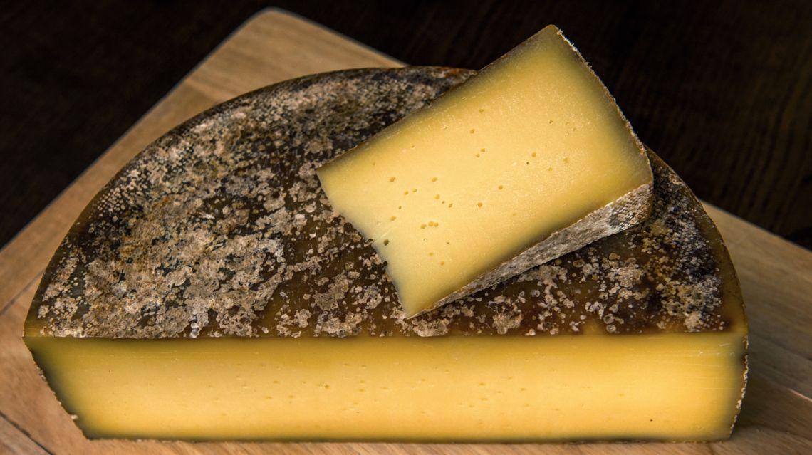 formaggio-alpe-Pian-Segno-22714-TW-Slideshow.jpg