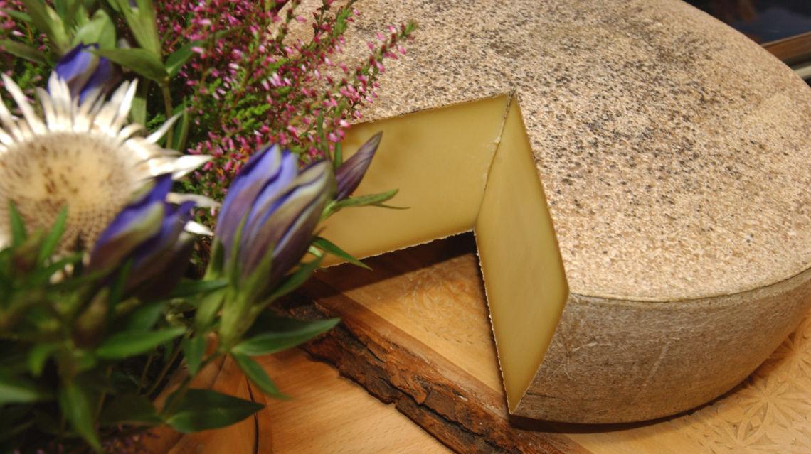 formaggio-d-alpe-12504-TW-Slideshow.jpg