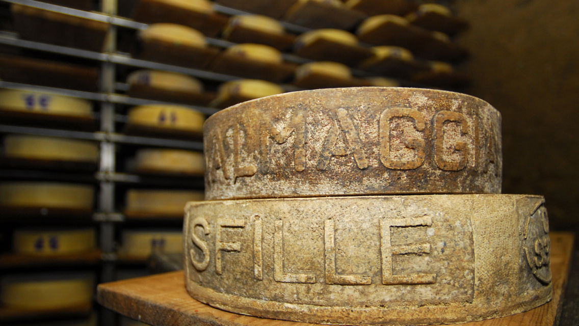 formaggio-dell-alpe-6886-TW-Slideshow.jpg