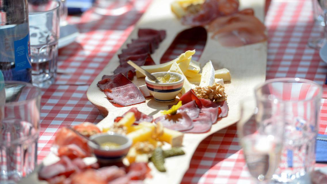gastronomia-tradizionale-ticinese-11663-TW-Slideshow.jpg