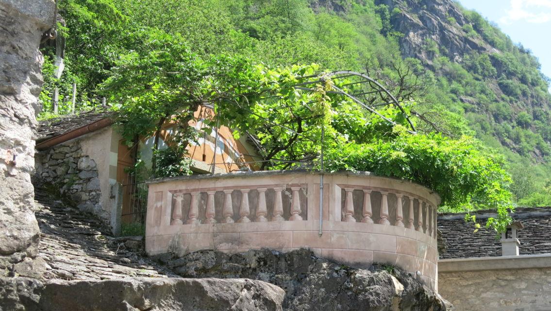 grotta-con-pergolato-19125-TW-Slideshow.jpg