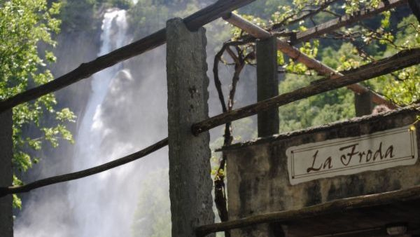grotto-Froda-a-Foroglio-8215-TW-Slideshow.jpg