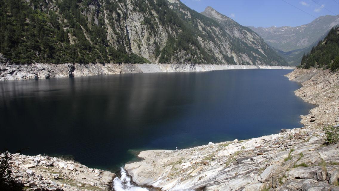 lago-del-Sambuco-26225-TW-Slideshow.jpg