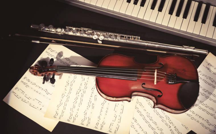Symphonien, Verrat und Pest