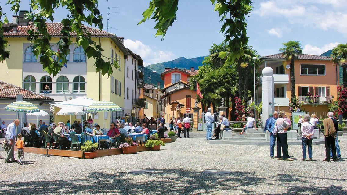 piazza-di-Caslano-21844-TW-Slideshow.jpg