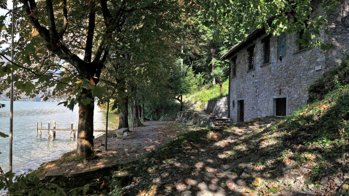 sentiero-alle-cantine-di-Gandria-15893-TW-Slideshow.jpg