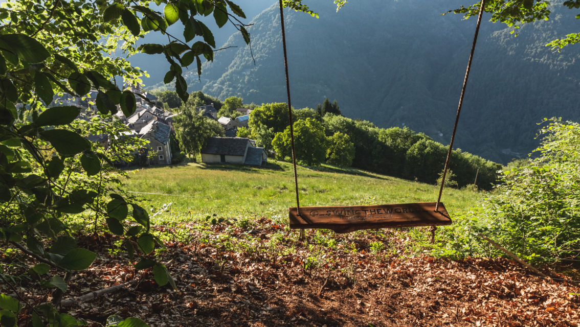 swing-the-world-27645-TW-Slideshow.jpg