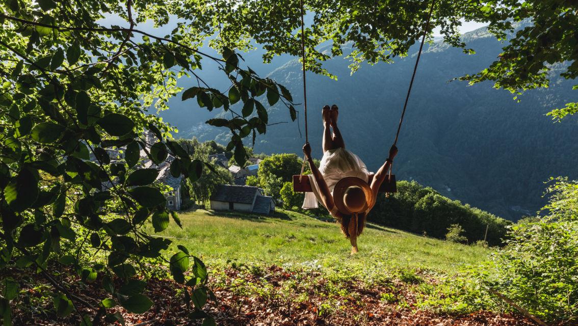 swing-the-world-28387-TW-Slideshow.jpg