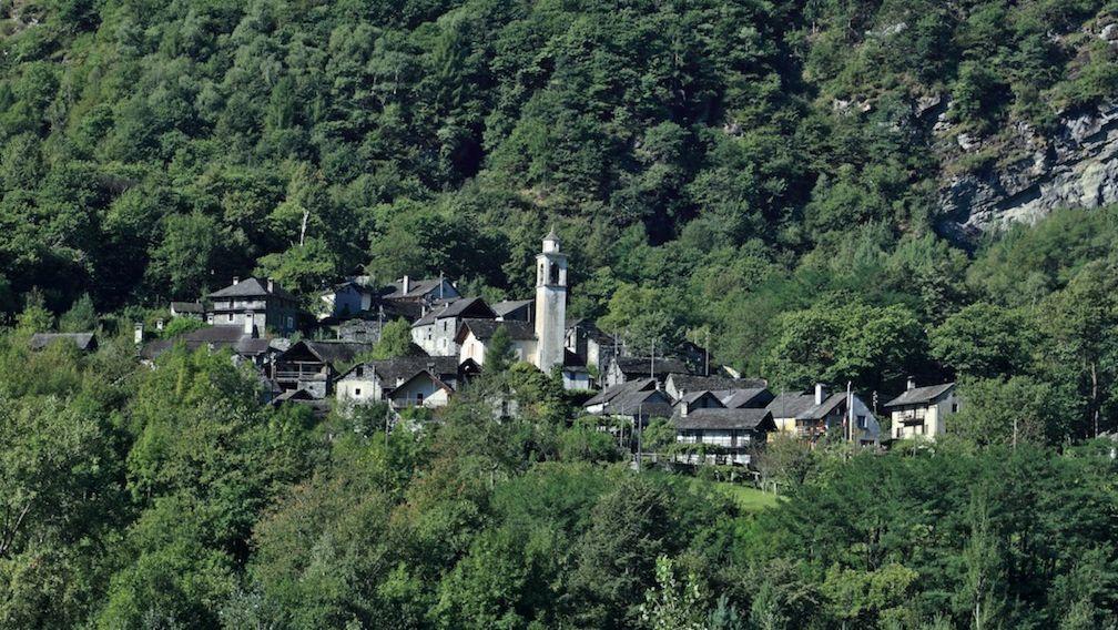 veduta-paese-di-Boschetto-17011-TW-Slideshow.jpg