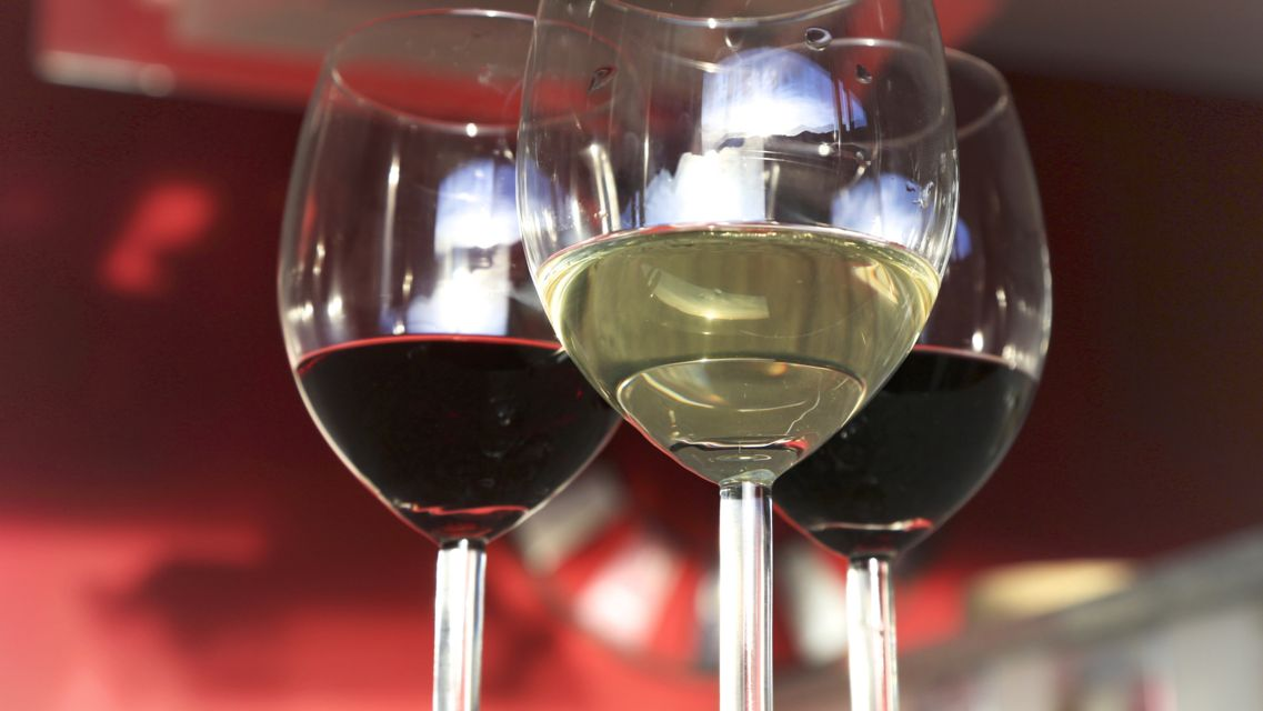 vino-bianco-e-rosso-16109-TW-Slideshow.jpg