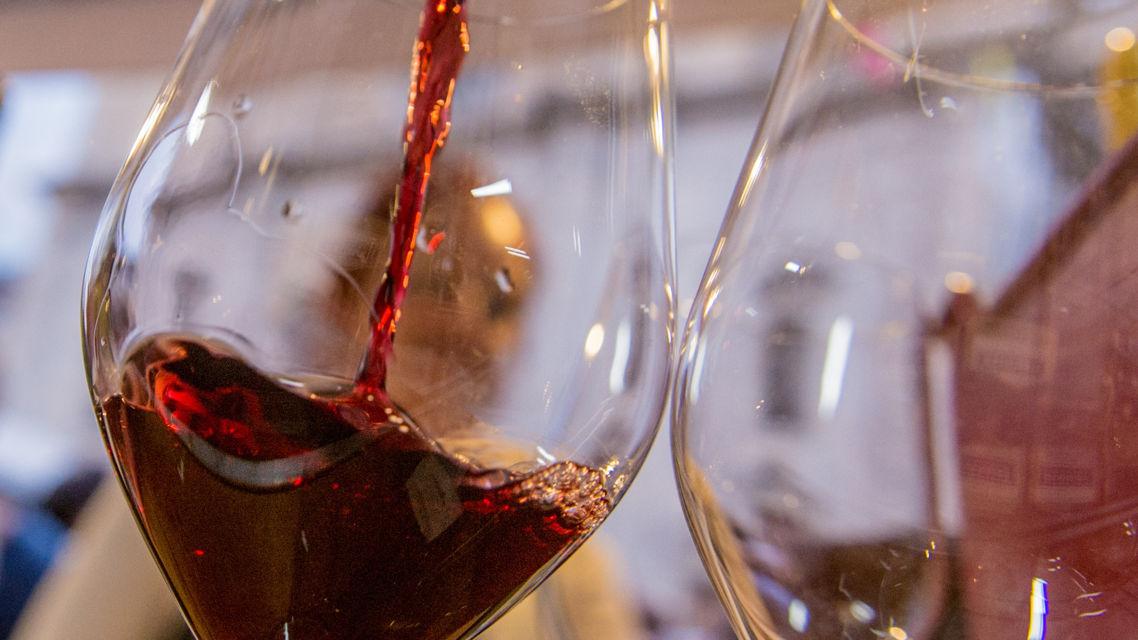 vino-rosso-9648-TW-Slideshow.jpg